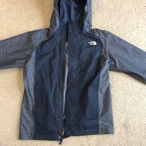 North Face Boys Garçons blue rain jacket